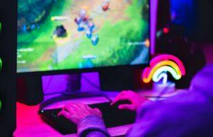 Cada vez hay más ciberataques a chicos que juegan videojuegos: cómo prevenirse
